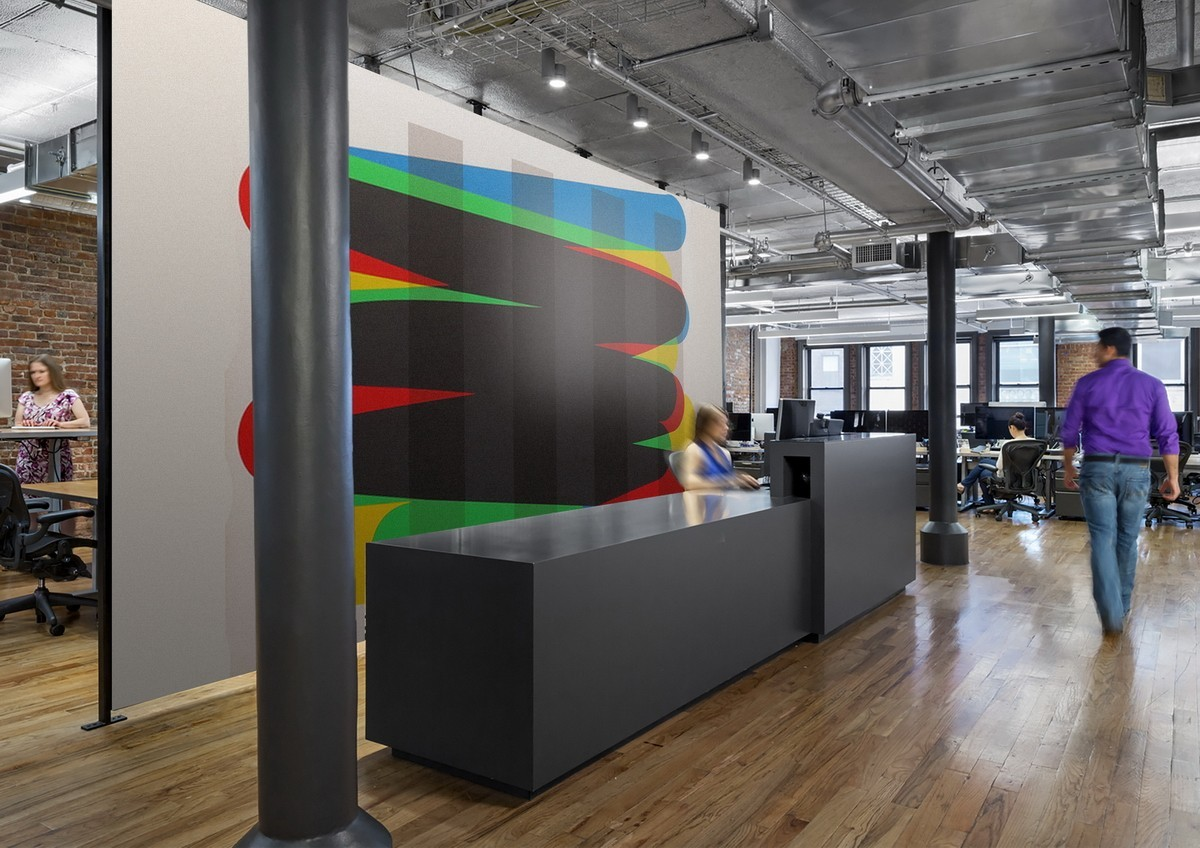 COLORFUL ABSTRACT MURAL IN AN OFFICE