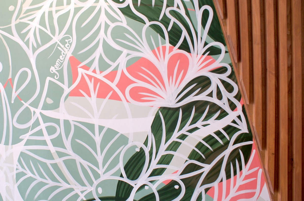 COLORFULL FLORAL MURAL IN A CAFE